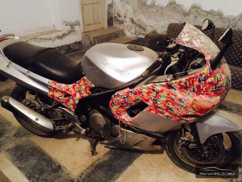Used Kawasaki ZZR600 1995 Bike for sale in Karachi ...