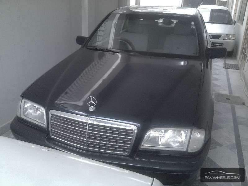 Mercedes benz c class c180 2000 for sale in islamabad for Mercedes benz music system