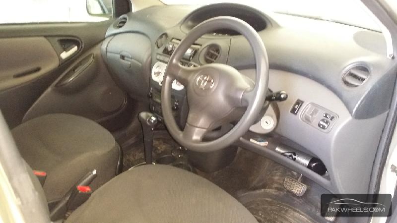 Toyota Vitz FL 1.0 2004 Image-5