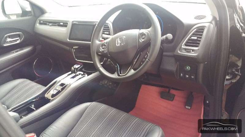 Honda Vezel 2014 Image-6