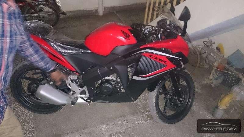 Used honda cbr 150r 2015 bike for sale in rahim yar khan for Honda northern blvd
