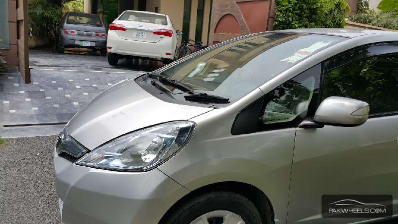 Honda Fit Hybrid Navi Premium Selection 2011 Image-6