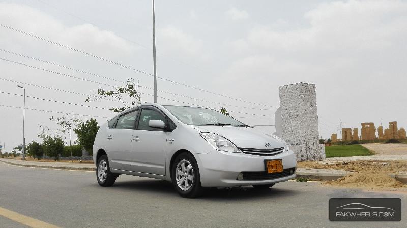 Toyota Prius S LED Edition 1.8 2010 Image-4
