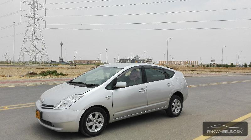 Toyota Prius S LED Edition 1.8 2010 Image-6