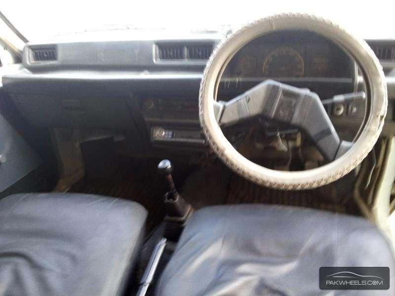 Daihatsu Charade 1984 Image-4