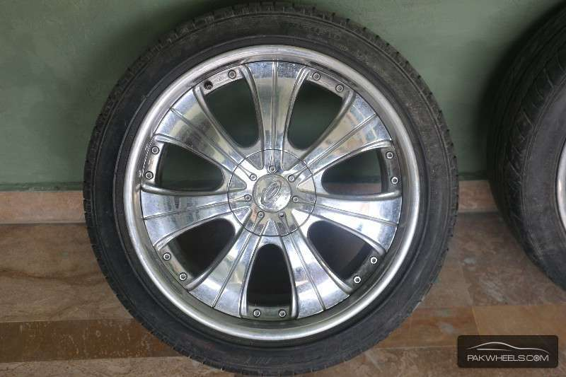 18 inch Universal Chrome Rims & Tyres For Sale Image-1