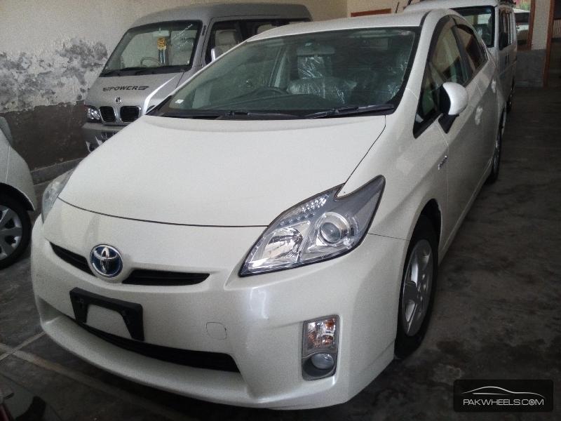 Toyota Prius G 1.5 2010 Image-1