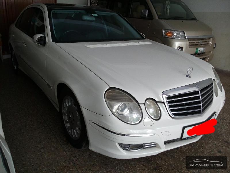 Mercedes Benz E Class E320 2005 Image-3