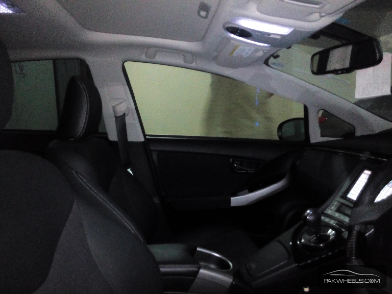 Toyota Prius G Touring Selection Leather Package 1.8 2012 Image-9
