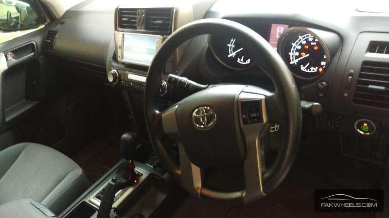 Toyota Prado TX Limited 2.7 2011 Image-6