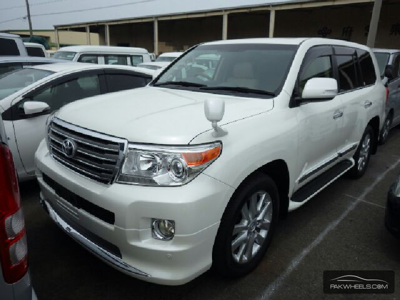 used toyota land cruiser zx 2015 car for sale in lahore 1269175 pakwheels. Black Bedroom Furniture Sets. Home Design Ideas