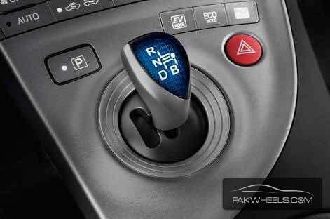 toyota prius gear lever For Sale Image-1