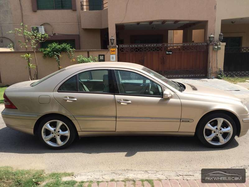 mercedes benz c class c200 2002 for sale in lahore pakwheels. Black Bedroom Furniture Sets. Home Design Ideas