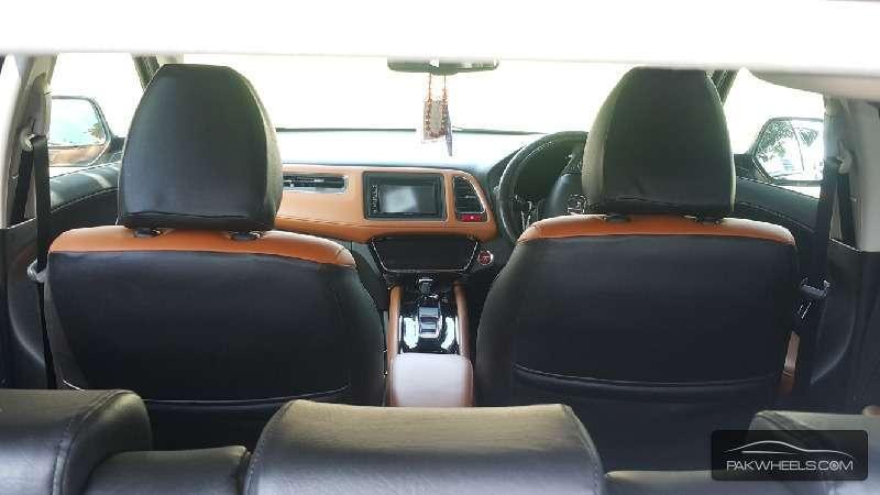 Honda Vezel Hybrid Z 2014 Image-4