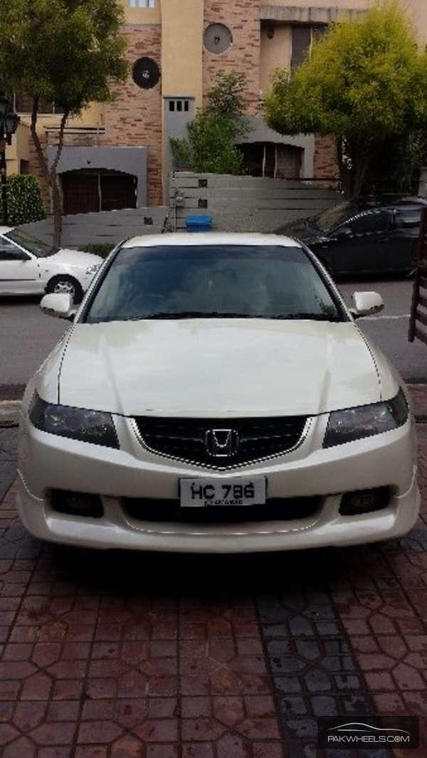 Honda Accord CL9 2002 Image-4