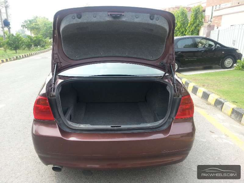 BMW 3 Series 320i 2006 Image-8