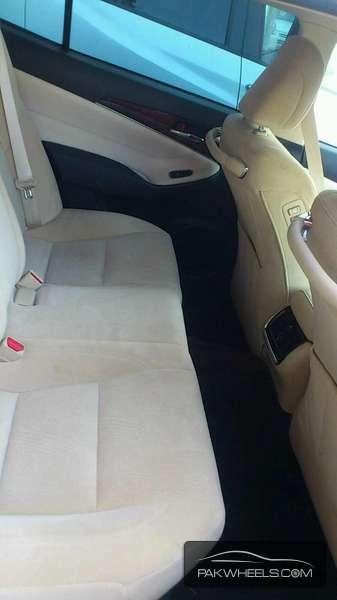 Toyota Crown Royal Saloon 2013 Image-2