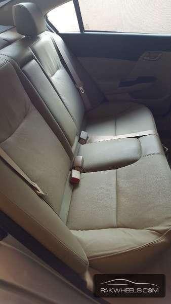 Honda Civic VTi Oriel Prosmatec 1.8 i-VTEC 2014 Image-8