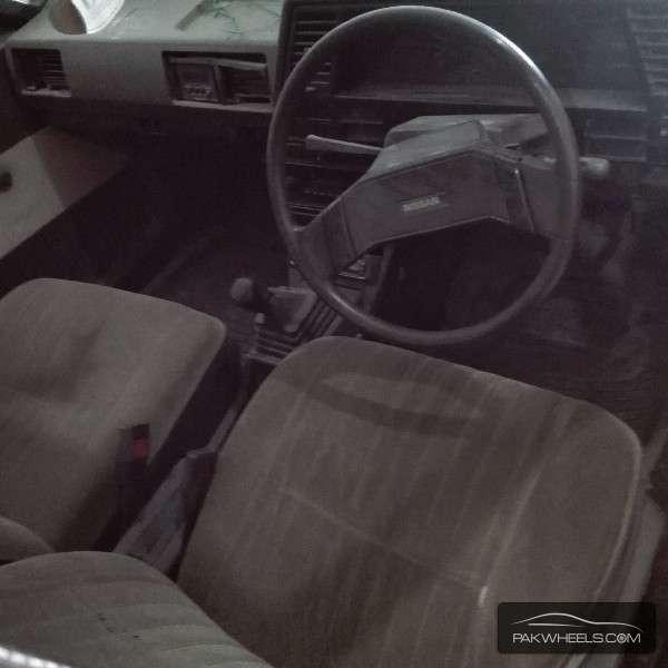 Nissan Sunny 1986 Image-4