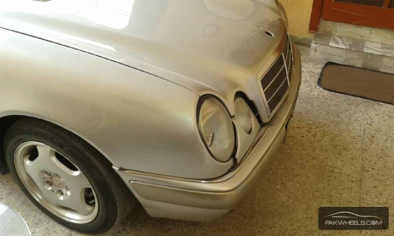 Mercedes benz e series 1996 for sale in lahore pakwheels for Mercedes benz e series for sale