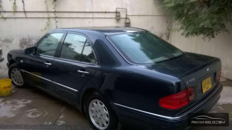 Mercedes Benz E Class E300 1997 Image-2