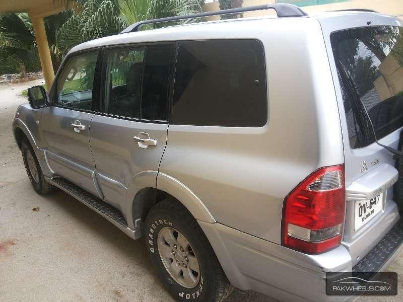 Mitsubishi Pajero 2003 Image-4