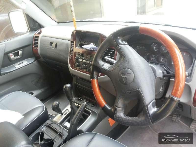 Mitsubishi Pajero 2003 Image-7