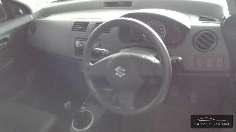 Suzuki Swift 2011 Image-7