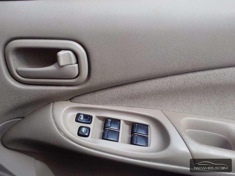 Nissan Sunny EX Saloon 1.3 2006 Image-5