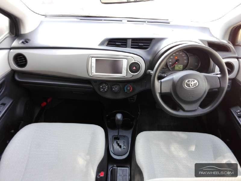 Toyota Vitz FL 1.0 2012 Image-6