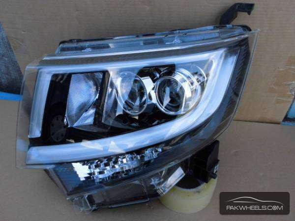daihatsu move custom 2015 left head light For Sale Image-1