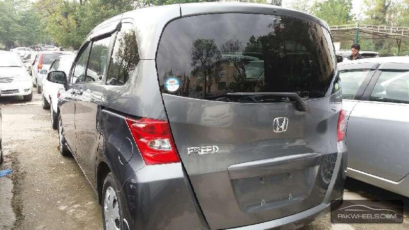 Honda Freed 2010 Image-3