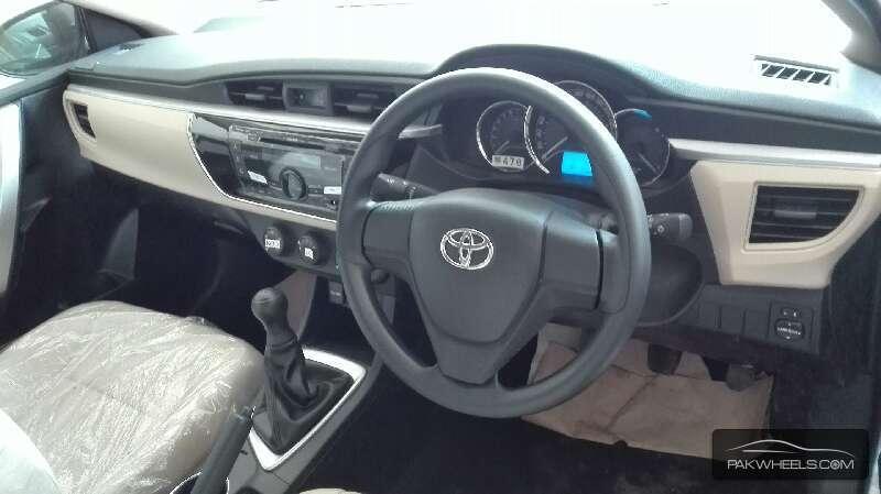 Toyota Corolla GLi Automatic 1.3 VVTi 2016 Image-8