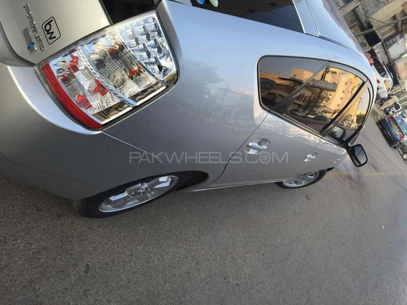 Toyota Prius S 1.5 2010 Image-7