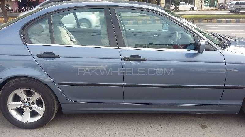 BMW 3 Series 316i 2004 Image-11