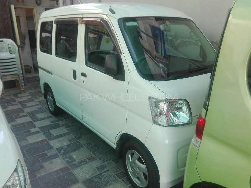 Daihatsu Hijet 2010 Image-1