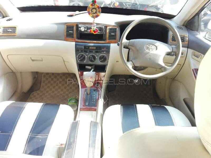 Toyota Corolla SE Saloon Automatic 2004 Image-5