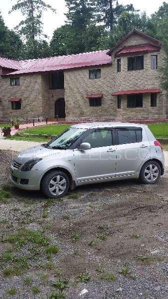 Suzuki Swift DLX 1.3 2010 Image-9