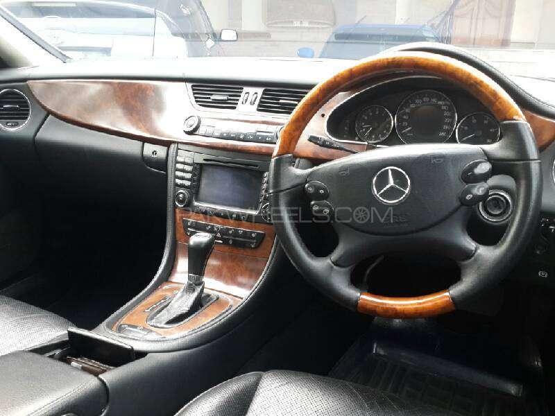 Mercedes Benz CLS Class CLS320 CDI 2006 Image-5