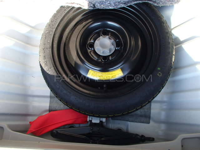 Toyota Passo X 2012 Image-9