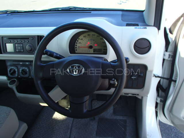Toyota Passo X 2012 Image-10
