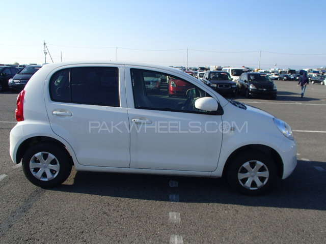 Toyota Passo X 2012 Image-12