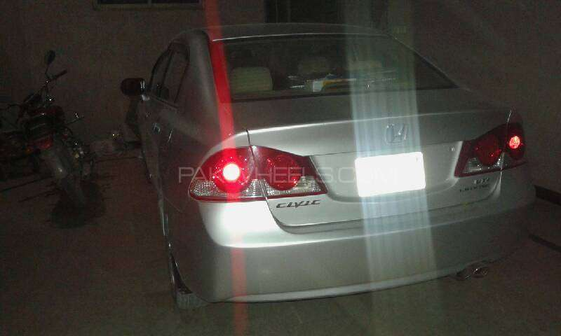 Honda Civic VTi 1.8 i-VTEC 2009 Image-7