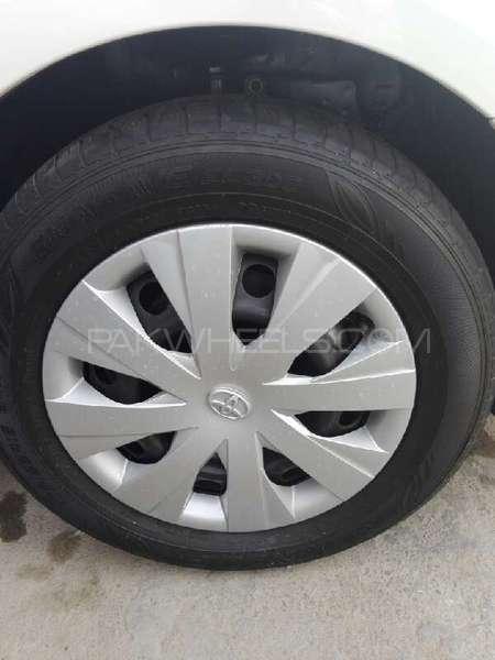 Toyota Corolla Axio Hybrid 1.5 2013 Image-3