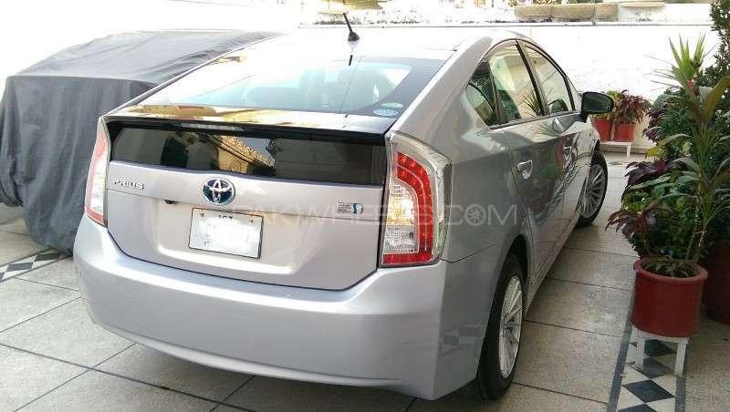 Toyota Prius L 1.8 2012 Image-19