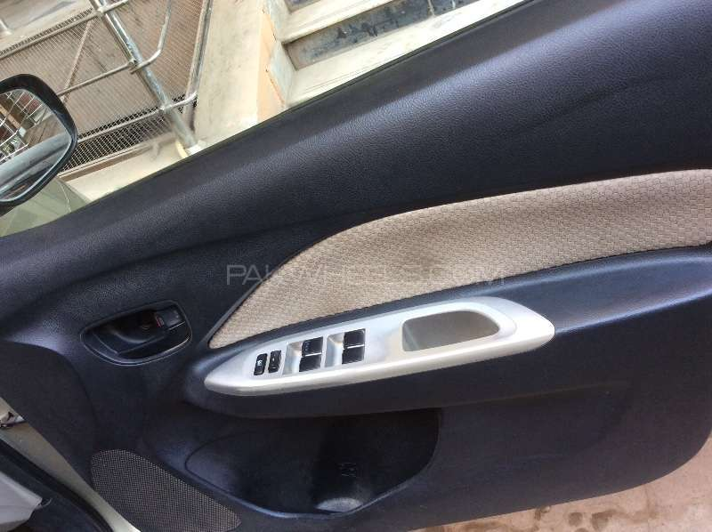 Toyota Belta X L Package 1.3 2008 Image-5