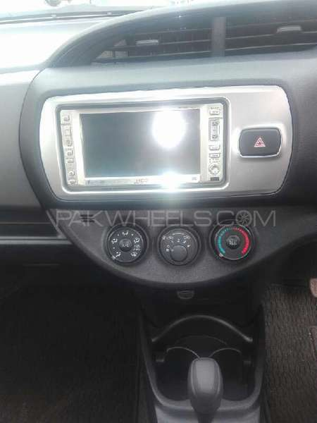 Toyota Vitz 2015 Image-5
