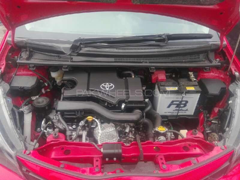 Toyota Vitz 2015 Image-9