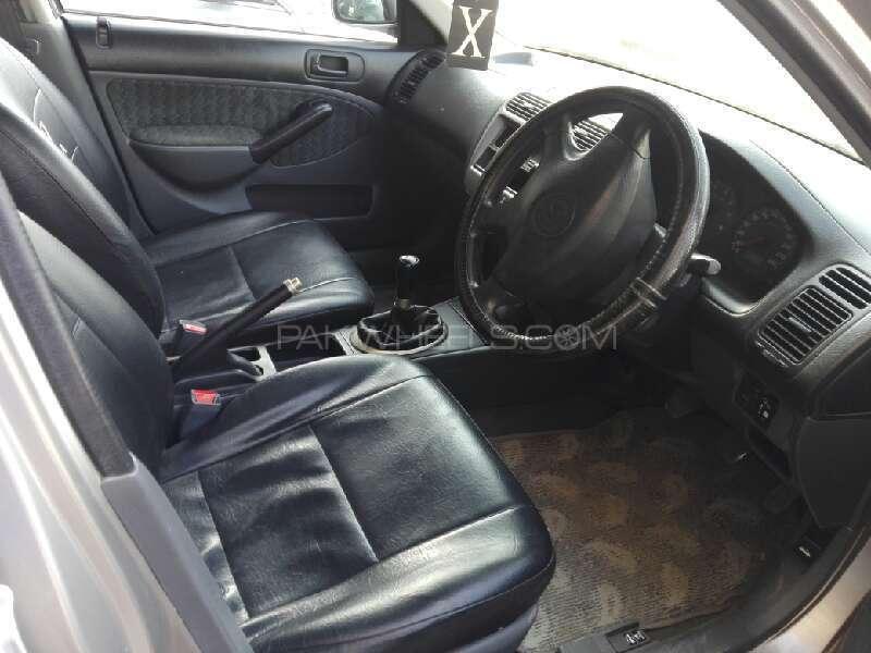 Honda Civic 2001 Image-2