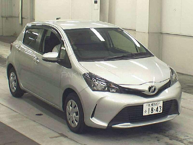Toyota Vitz F 1.0 2015 Image-2